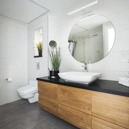 ארון אמבטיה מעץ