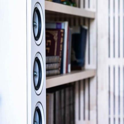 ספריה מעוצבת לסלון - מרסלו אומנות הריהוט