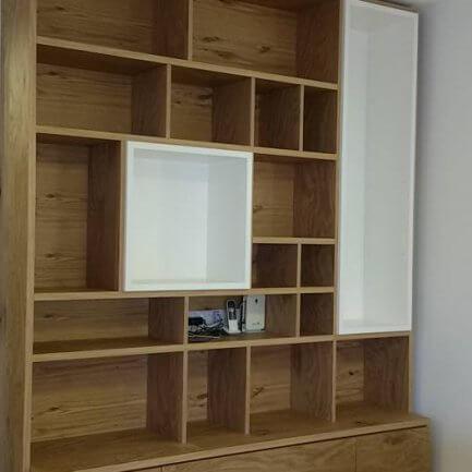 ספריית עץ לטלוויזיה