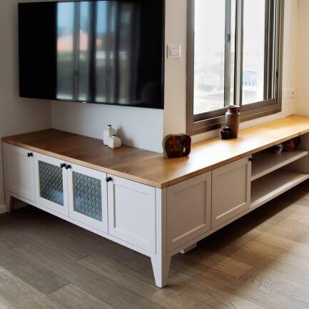 מזנון מעוצב מעץ לסלון
